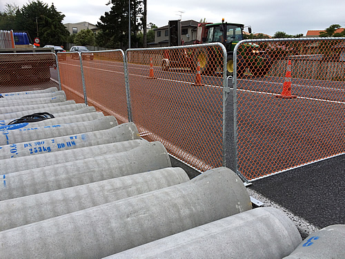 Complete Constructing Temporary Fencing