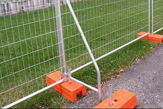 temp fence bracing